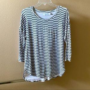 💥3/$15 Ava Sky Gray & Off-White 3/4-Sleeve Top